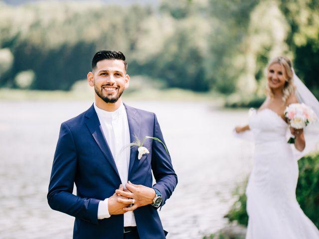 Le mariage de Tayeb et Soléne à Saint-Julien-en-Genevois, Haute-Savoie 17