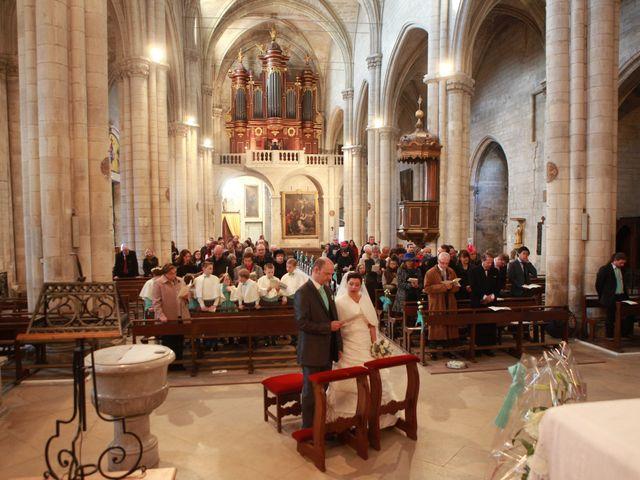 Le mariage de Marc et Gabrielle à Tarascon, Bouches-du-Rhône 14