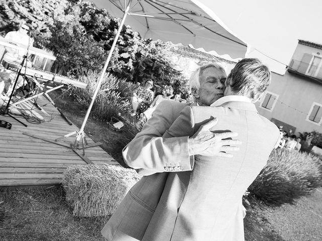 Le mariage de François Xavier et Flora à Saint-Saturnin-lès-Apt, Vaucluse 44