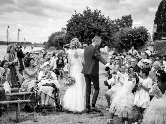 Le mariage de Nicolas et Christelle à La Chapelle-sur-Loire, Indre-et-Loire 49