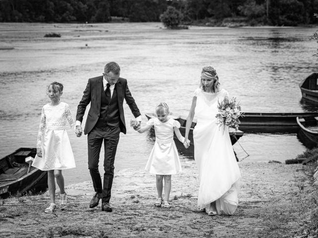 Le mariage de Nicolas et Christelle à La Chapelle-sur-Loire, Indre-et-Loire 77