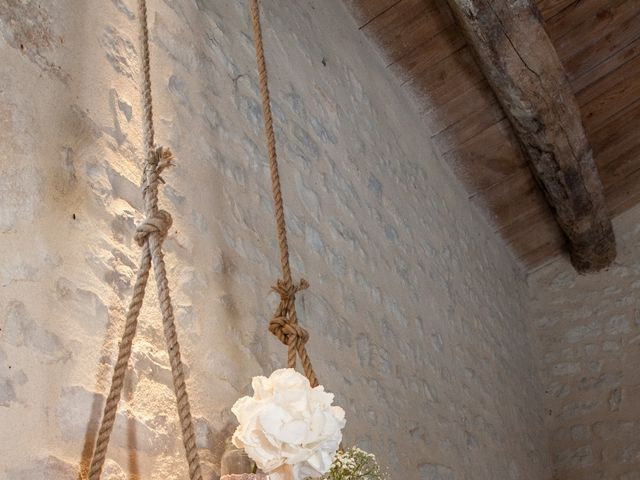 Le mariage de Anthony et Emilie à L'Houmeau, Charente Maritime 30