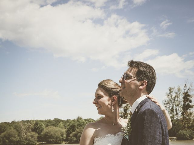 Le mariage de Thomas et Estelle à Saint-Viâtre, Loir-et-Cher 56