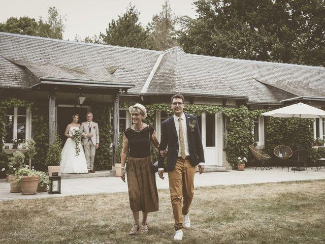 Le mariage de Thomas et Estelle à Saint-Viâtre, Loir-et-Cher 98