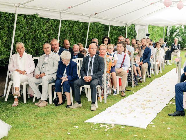 Le mariage de Yohan et Lauriane à Plasnes, Eure 69