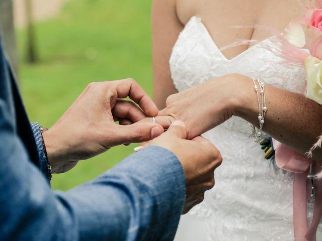 Le mariage de Yohan et Lauriane à Plasnes, Eure 96