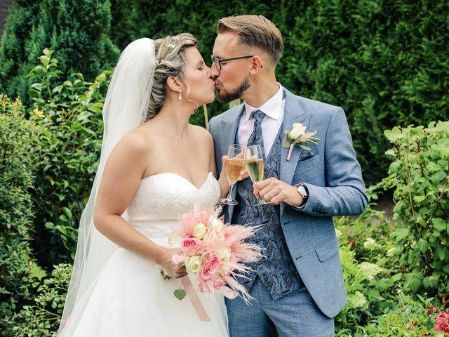 Le mariage de Yohan et Lauriane à Plasnes, Eure 104