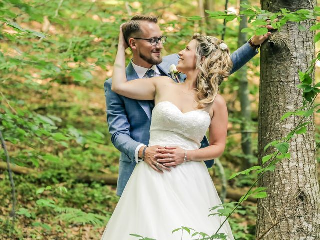 Le mariage de Yohan et Lauriane à Plasnes, Eure 145