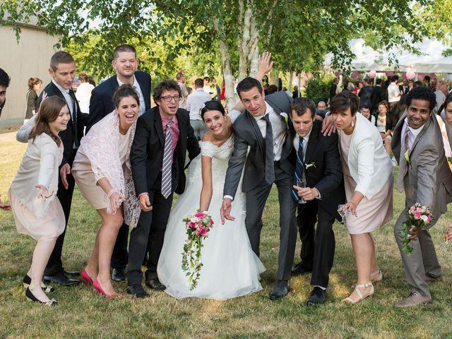 Le mariage de Pierre et Léonie à Marcilly-en-Villette, Loiret 35