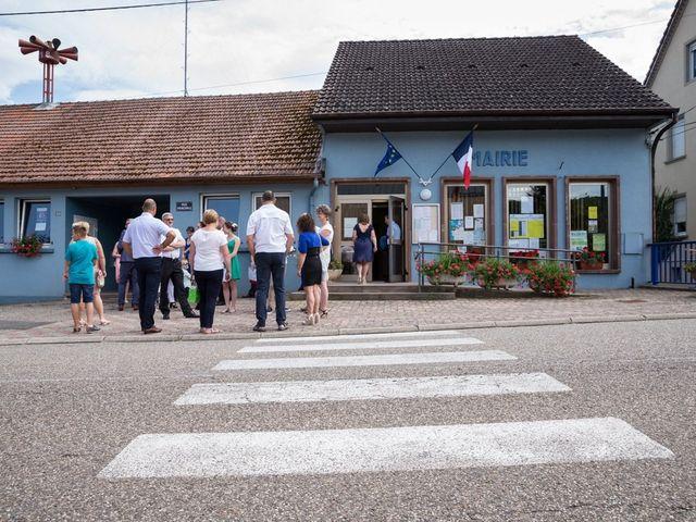 Le mariage de Jonathan et Hélène à Walschbronn, Moselle 11