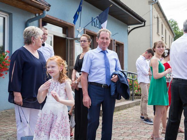 Le mariage de Jonathan et Hélène à Walschbronn, Moselle 12
