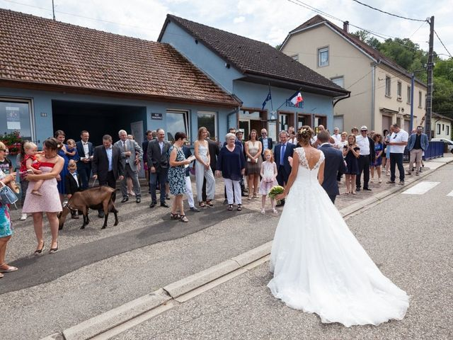 Le mariage de Jonathan et Hélène à Walschbronn, Moselle 15