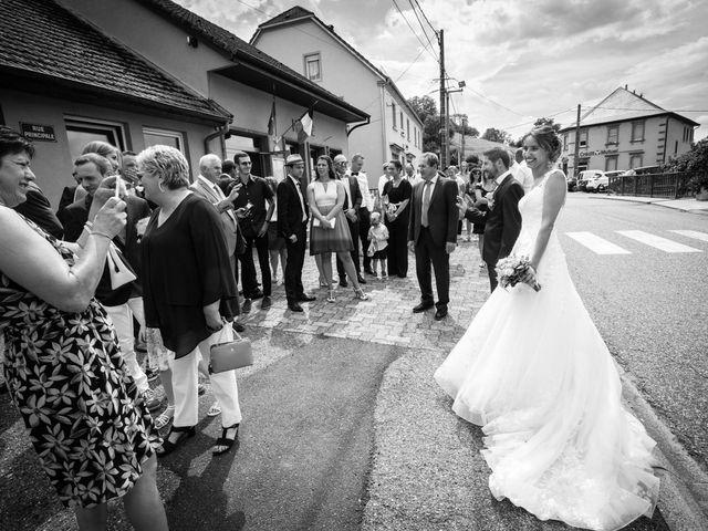 Le mariage de Jonathan et Hélène à Walschbronn, Moselle 16