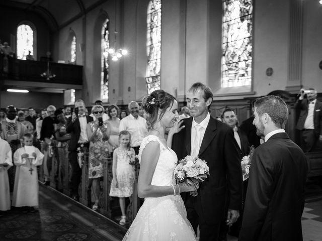 Le mariage de Jonathan et Hélène à Walschbronn, Moselle 44