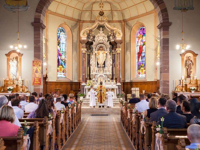 Le mariage de Jonathan et Hélène à Walschbronn, Moselle 52
