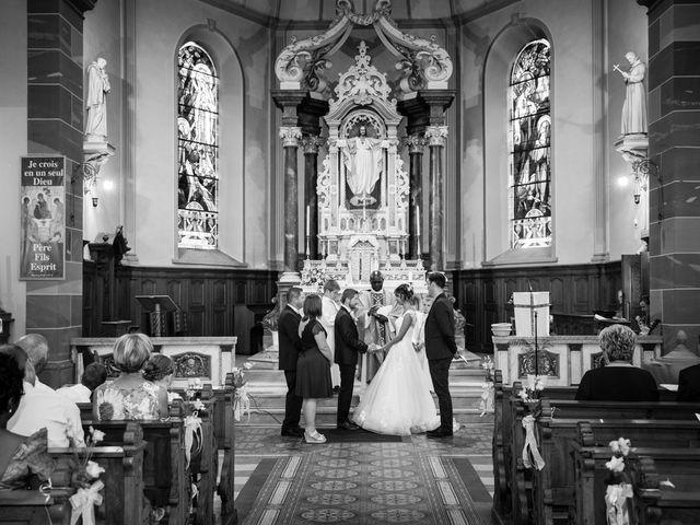 Le mariage de Jonathan et Hélène à Walschbronn, Moselle 56