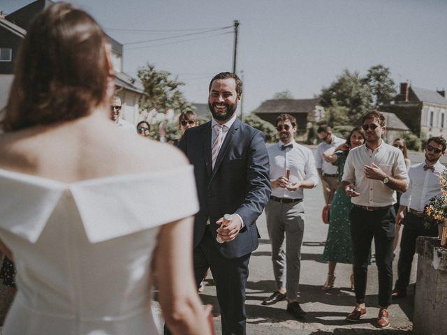 Le mariage de Matthieu et Julie à Saint-Jean-des-Mauvrets, Maine et Loire 9