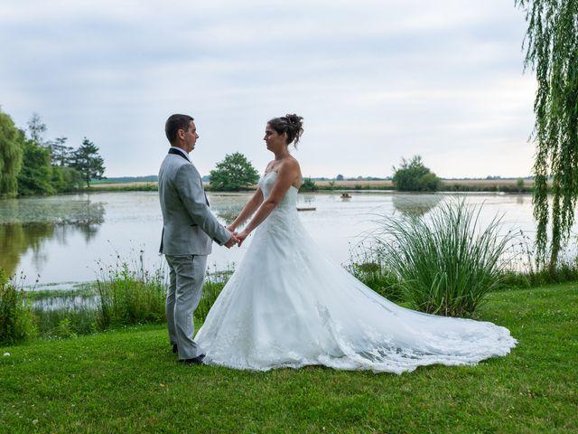 Le mariage de Lucie et Thomas à Saint-Denis-de l'Hôtel, Loiret 26