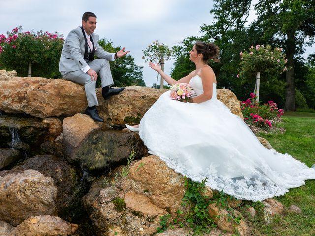 Le mariage de Lucie et Thomas à Saint-Denis-de l'Hôtel, Loiret 29
