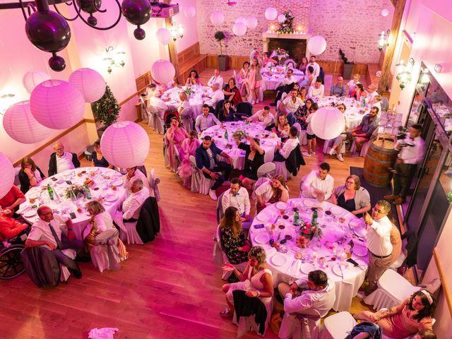 Le mariage de Lucie et Thomas à Saint-Denis-de l'Hôtel, Loiret 36