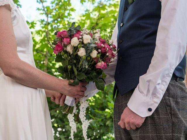 Le mariage de John et Marion à Lamoura, Jura 5