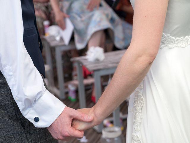 Le mariage de John et Marion à Lamoura, Jura 24