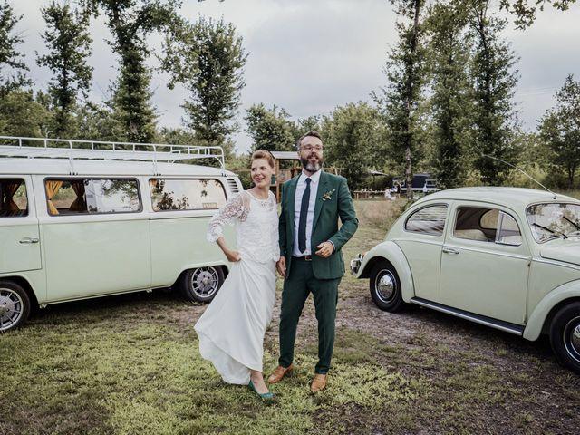 Le mariage de Gaetan et Marion à Saint-Julien-en-Born, Landes 16