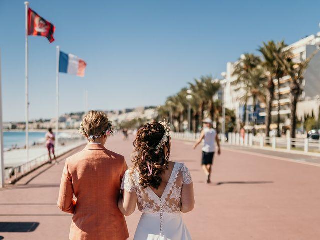 Le mariage de Julie et Ingrid à Villecroze, Var 49