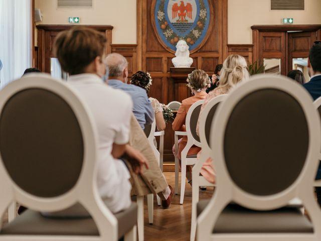 Le mariage de Julie et Ingrid à Villecroze, Var 57
