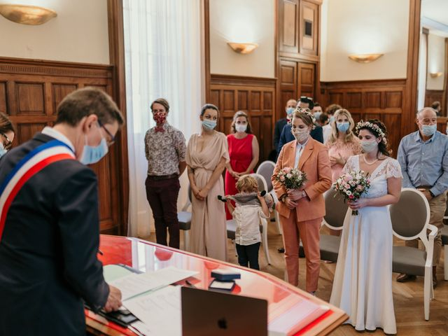 Le mariage de Julie et Ingrid à Villecroze, Var 58