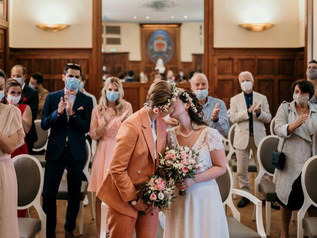 Le mariage de Julie et Ingrid à Villecroze, Var 61