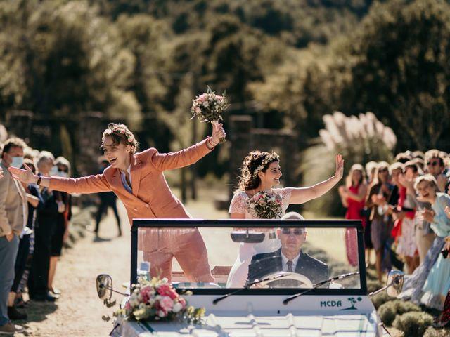 Le mariage de Julie et Ingrid à Villecroze, Var 64