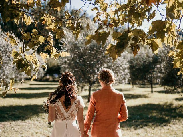 Le mariage de Julie et Ingrid à Villecroze, Var 77