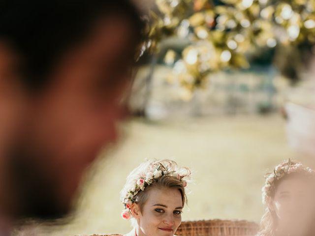 Le mariage de Julie et Ingrid à Villecroze, Var 83
