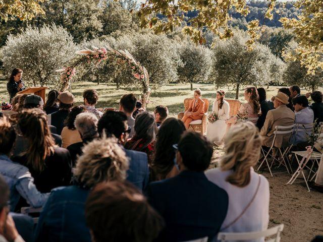 Le mariage de Julie et Ingrid à Villecroze, Var 84