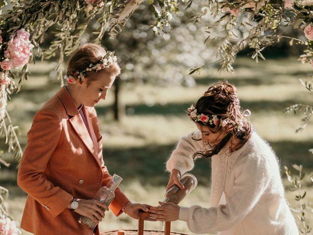 Le mariage de Julie et Ingrid à Villecroze, Var 85