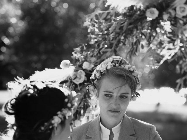 Le mariage de Julie et Ingrid à Villecroze, Var 88