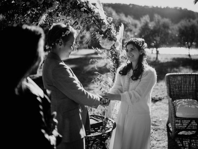 Le mariage de Julie et Ingrid à Villecroze, Var 91