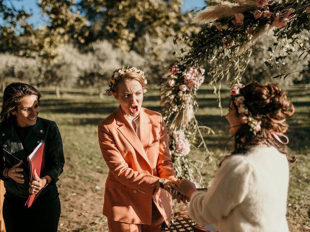 Le mariage de Julie et Ingrid à Villecroze, Var 92