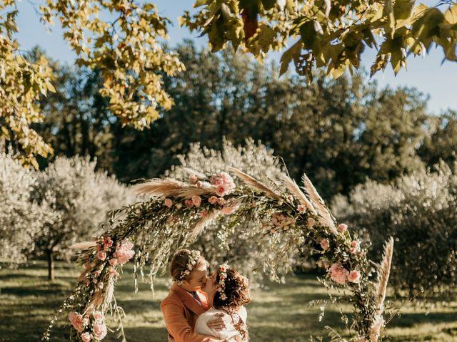 Le mariage de Julie et Ingrid à Villecroze, Var 95