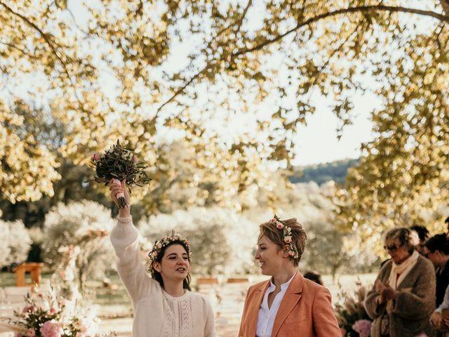 Le mariage de Julie et Ingrid à Villecroze, Var 96