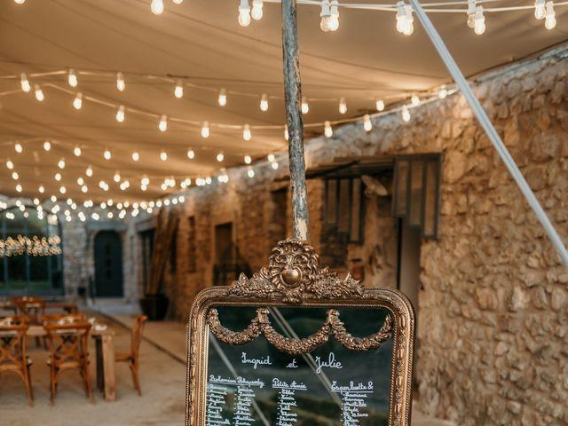 Le mariage de Julie et Ingrid à Villecroze, Var 106