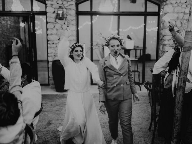 Le mariage de Julie et Ingrid à Villecroze, Var 117