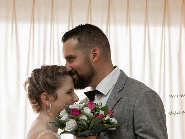 Le mariage de Remy et Flavie à Chantôme, Indre 12