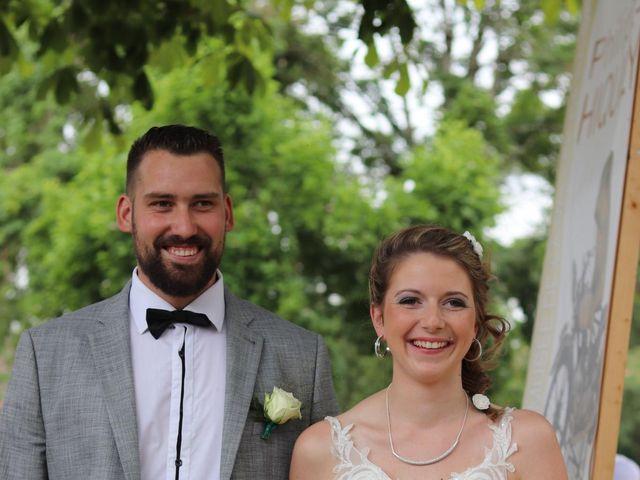 Le mariage de Remy et Flavie à Chantôme, Indre 6