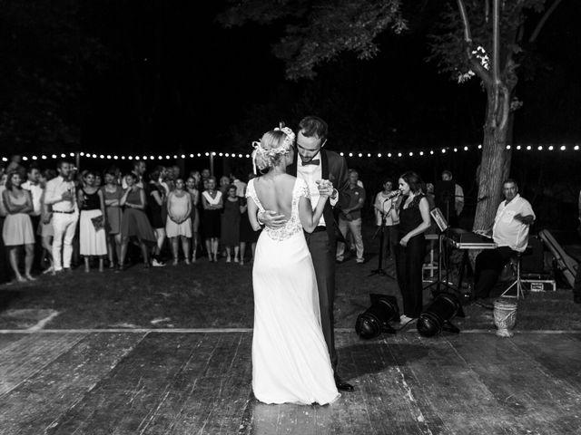 Le mariage de Thomas et Nathalie à Saint-Thibéry, Hérault 24