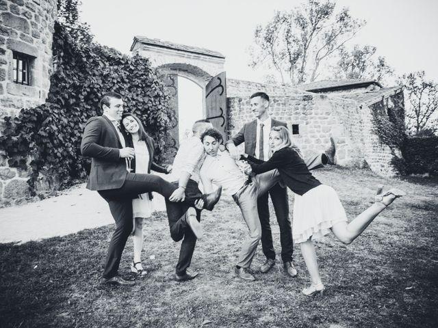 Le mariage de Nicolas et Amandine à Marcoux, Loire 35