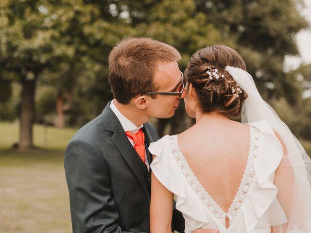 Le mariage de Charles et Elodie à Saint-Saturnin-lès-Apt, Vaucluse 1