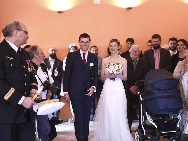 Le mariage de Vincent et Laetitia à Chevigny-Saint-Sauveur, Côte d'Or 39