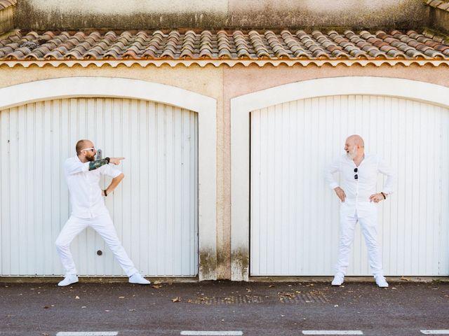 Le mariage de Jean Charles et Kristian à Aigues-Mortes, Gard 18
